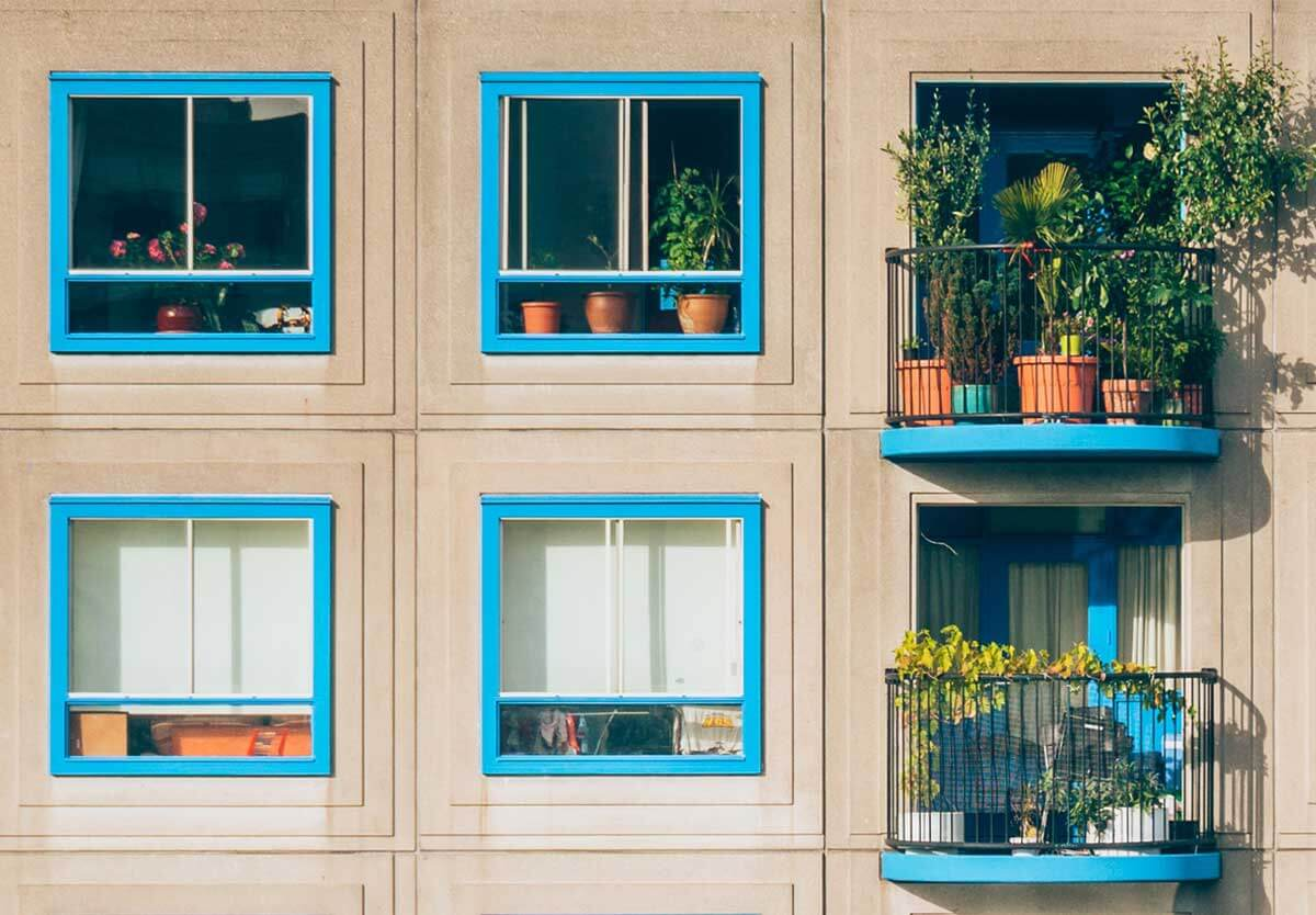 Are Short-Term Property Rentals More Profitable? Investor Pros & Cons